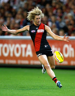 This image has an empty alt attribute; its file name is 29de3-dyson-heppell-1.jpg